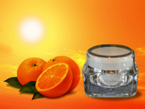 Sun and orange background Vit C Day Cream SPF30